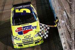 Race winner Mark Martin, Hendrick Motorsports Chevrolet, celebrates
