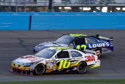 Greg Biffle, Roush Fenway Racing Ford, Jimmie Johnson, Hendrick Motorsports Chevrolet