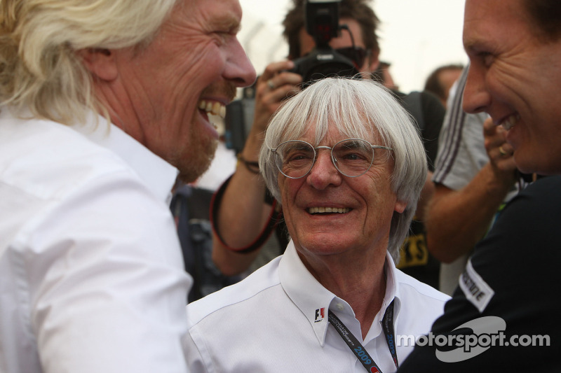 Christian Horner, teambaas Red Bull Racing, Sir Richard Branson CEO Virgin en Bernie Ecclestone, President en CEO Formula One Management