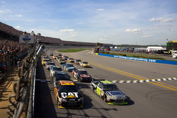 Jeff Burton, Richard Childress Racing Chevrolet and Jimmie Johnson, Hendrick Motorsports Chevrolet lead the field