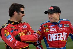 Martin Truex Jr., Earnhardt Ganassi Racing Chevrolet and Mark Martin, Hendrick Motorsports Chevrolet