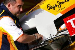 Renault F1 Team mechanic