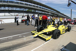 Sarah Fisher, Sarah Fisher Racing pulls out to qualify