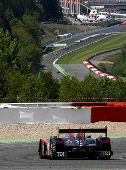 #14 Kolles Audi R10 TDI: Andrew Meyrick, Narain Karthikeyan, Charles Zwolsman; at Rivage