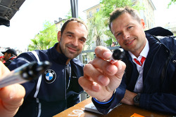 Jorg Muller, BMW Team Germany, BMW 320si and Andy Priaulx, BMW Team UK, BMW 320si at the Autograph S