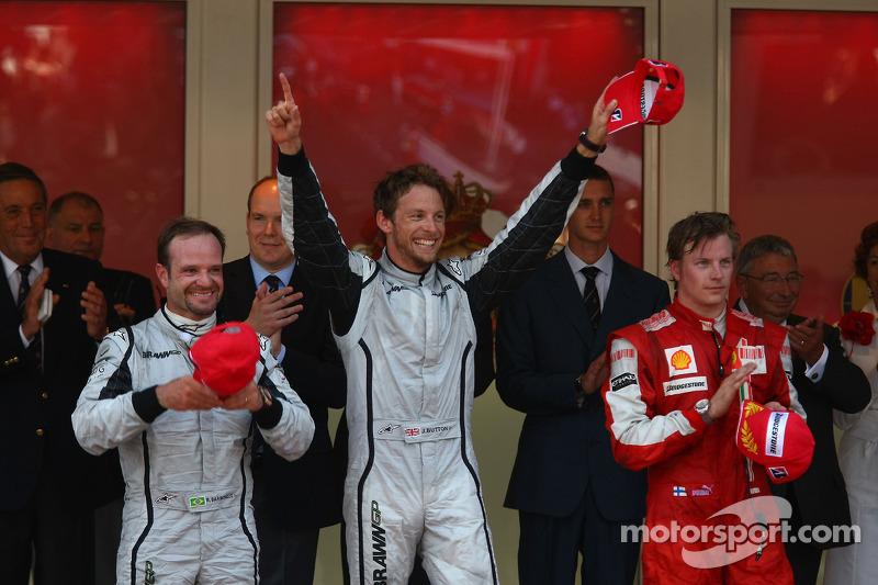 1st place Jenson Button, Brawn GP with 2nd place Rubens Barrichello, Brawn GP and 3rd place Kimi Raikkonen, Scuderia Ferrari