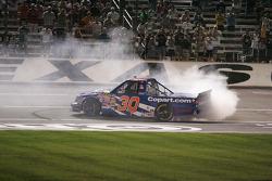 Des burns pour Todd Bodine, Copart.com Toyota