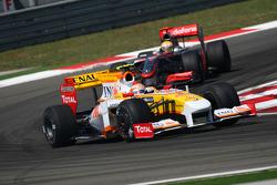 Nelson A. Piquet, Renault F1 Team and Lewis Hamilton, McLaren Mercedes