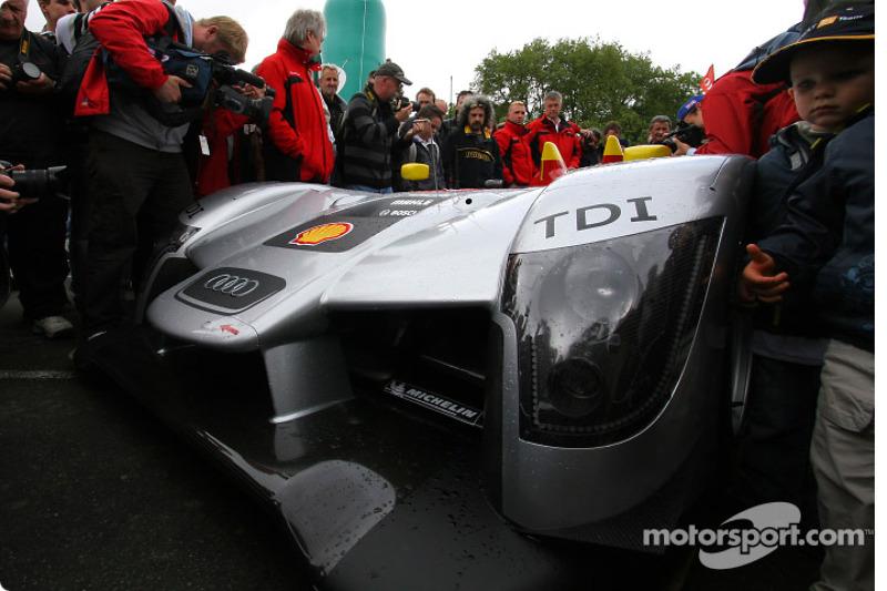 #1 Audi Sport Team Joest Audi R15 TDI arrives at scrutineering