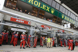 Audi Sport Team ready for a double pit stops