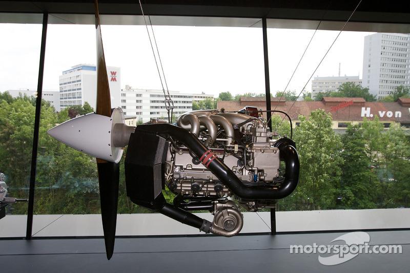 1985 Porsche Flugmotor PFM 3200 engine