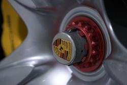 2003 Porsche Carrera GT wheel detail