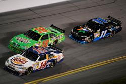 Tony Stewart, Stewart-Haas Racing Chevrolet, Kyle Busch, Joe Gibbs Racing Toyota, Denny Hamlin, Joe Gibbs Racing Toyota