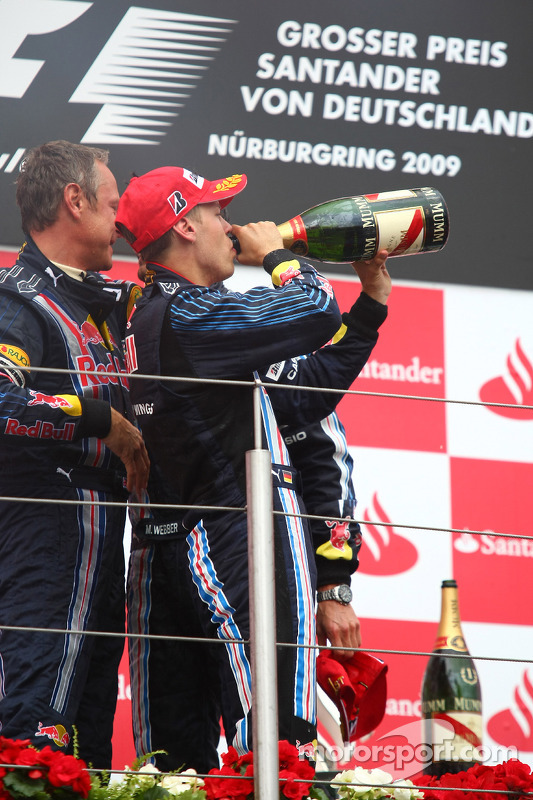Podium: second place Sebastian Vettel, Red Bull Racing celebrates with champagne