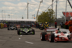Paul Tracy, KV Racing Technology heads to pace laps