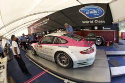 #18 T-Mobile VICI Racing Porsche 911 GT3 RSR at technical inspection