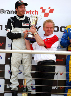 Jonathan Palmer, CEO Motorsport Vision, with race winner Philipp Eng