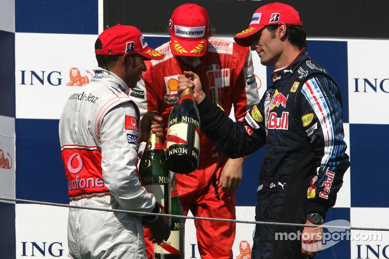 Подіум: 1. Льюс Хемілтон, McLaren-Mercedes. 2. Кімі Райкконен, Ferrari. 3. Марк Веббер, Red Bull - Renault