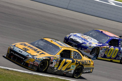 Matt Kenseth, Roush Fenway Racing Ford, David Reutimann, Michael Waltrip Racing Toyota