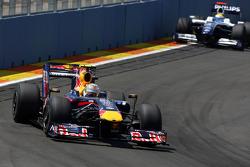 Sebastian Vettel, Red Bull Racing, Nico Rosberg, WilliamsF1 Team