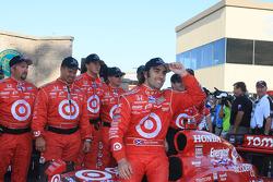Victory lane: race winner Dario Franchitti, Target Chip Ganassi Racing