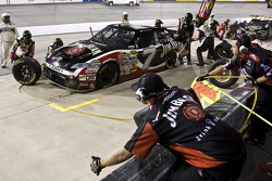 Pit stop for David Gilliland, Robby Gordon Motorsports Toyota