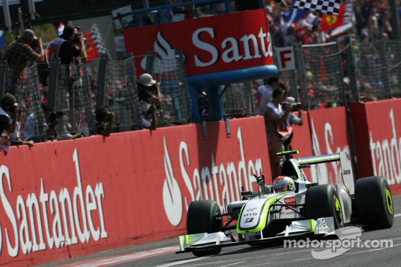 Em 2009, Rubens Barrichello conquistava a última vitória brasileira na F1 até hoje. Desde então, o país passa por seu maior jejum de triunfos em sua história na categoria.