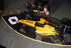 Сириль Абтбуль, управляющий директор Renault Sport F1, Кевин Магнуссен, Renault Sport F1 Team, Джолион Палмер, Renault Sport F1 Team и Элли Жан Коффе