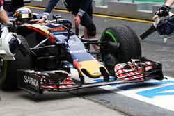 Carlos Sainz Jr., Scuderia Toro Rosso STR11 front wing