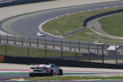 #666 Vincenzo Sospiri Racing Srl, Lamborghini Huracan Super Trofeo: Jia Tong Liang, Jaap Bartels, Daniel Mancinelli, Jacopo Faccioni