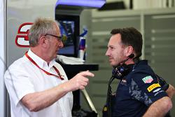Christian Horner, Team Principal Red Bull Racing e il Dr Helmut Marko, Consulente Red Bull Motorsport