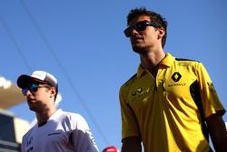 Джолион Палмер, Renault Sport F1 Team и Стоффель Вандорн, McLaren