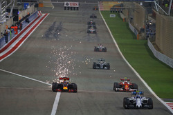 Валттери Боттас, Williams FW38, Даниэль Риккардо, Red Bull Racing RB12 и Кими Райкконен, Ferrari SF16-H