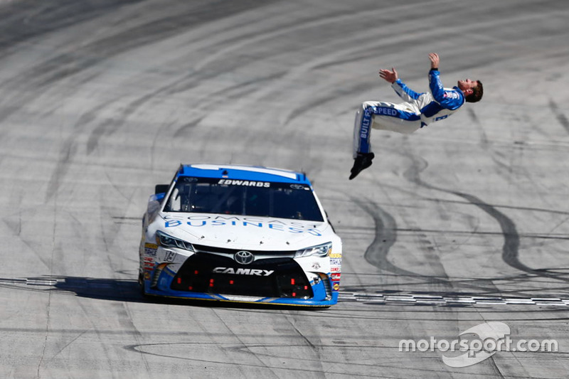 2016, Bristol 1: Carl Edwards (Gibbs-Toyota)