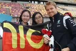 Нико Росберг, Mercedes AMG F1 Team с фанатами
