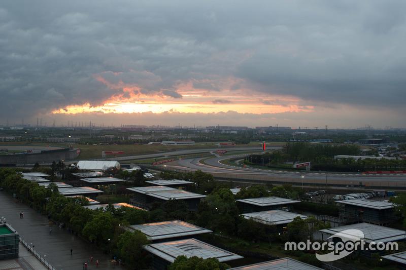 Puesta de sol en el Circuito Shanghai