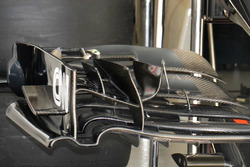 McLaren MP4-31 old front wing detail