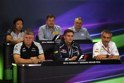 Прес-конференція: гоночний інженерHaas F1 Team Айао Коматсу, директор Pirelli Motorsport Пол Хембрі, технічний директо Manor Racing Джон Маккільям, Отмар Шафтнауер, Sahara Force India F1, технічний директор Scuderia Toro Rosso Джеймс Кі, менеджер Sauber F1