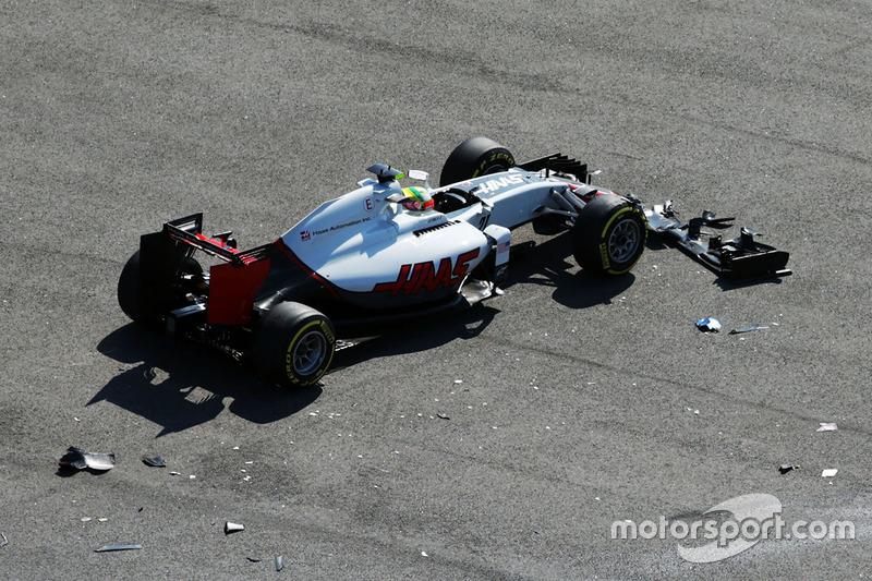 Esteban Gutiérrez, Haas F1 Team VF-16 choca en la arrancada