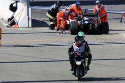Нико Хюлькенберг, Sahara Force India F1 сходит после старта гонки
