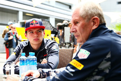 Доктор Хельмут Марко, консультант Red Bull Racing Team и Макс Ферстаппен, Scuderia Toro Rosso