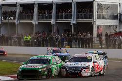 Mark Winterbottom, Prodrive Racing Australia Ford dan Dale Wood, Nissan Motorsports