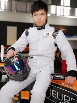 Qing-Hua Ma testet ein Formel-1-Auto von Arrows