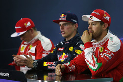 Conferencia de prensa FIA: segundo lugar de Kimi Raikkonen, Ferrari, Max Verstappen, Red Bull Racing, ganador de la carrera, tercer lugar Sebastian Vettel, Ferrari