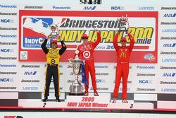 Podium: race winner Scott Dixon, Chip Ganassi Racing, second place Dario Franchitti, Chip Ganassi Racing, third place Graham Rahal, Newman/Haas/Lanigan Racing