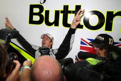 Дженсон Баттон, BrawnGP святкує перемогу