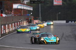#33 Vitaphone Racing Team DHL Maserati MC 12: Alessandro Pier Guidi, Matteo Bobbi leads the field