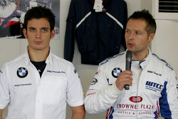 Sergio Hernandez, BMW Team Italy-Spain, BMW 320si and Andy Priaulx, BMW Team UK, BMW 320si