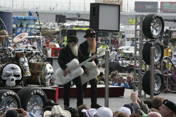 ZZ Top entertains the crowd before the race