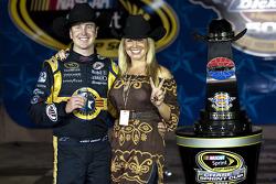 Victory lane: race winner Kurt Busch, Penske Racing Dodge, with wife Eva